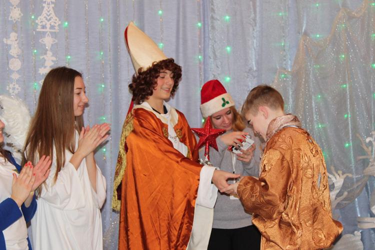Святий Миколай завітав до малят