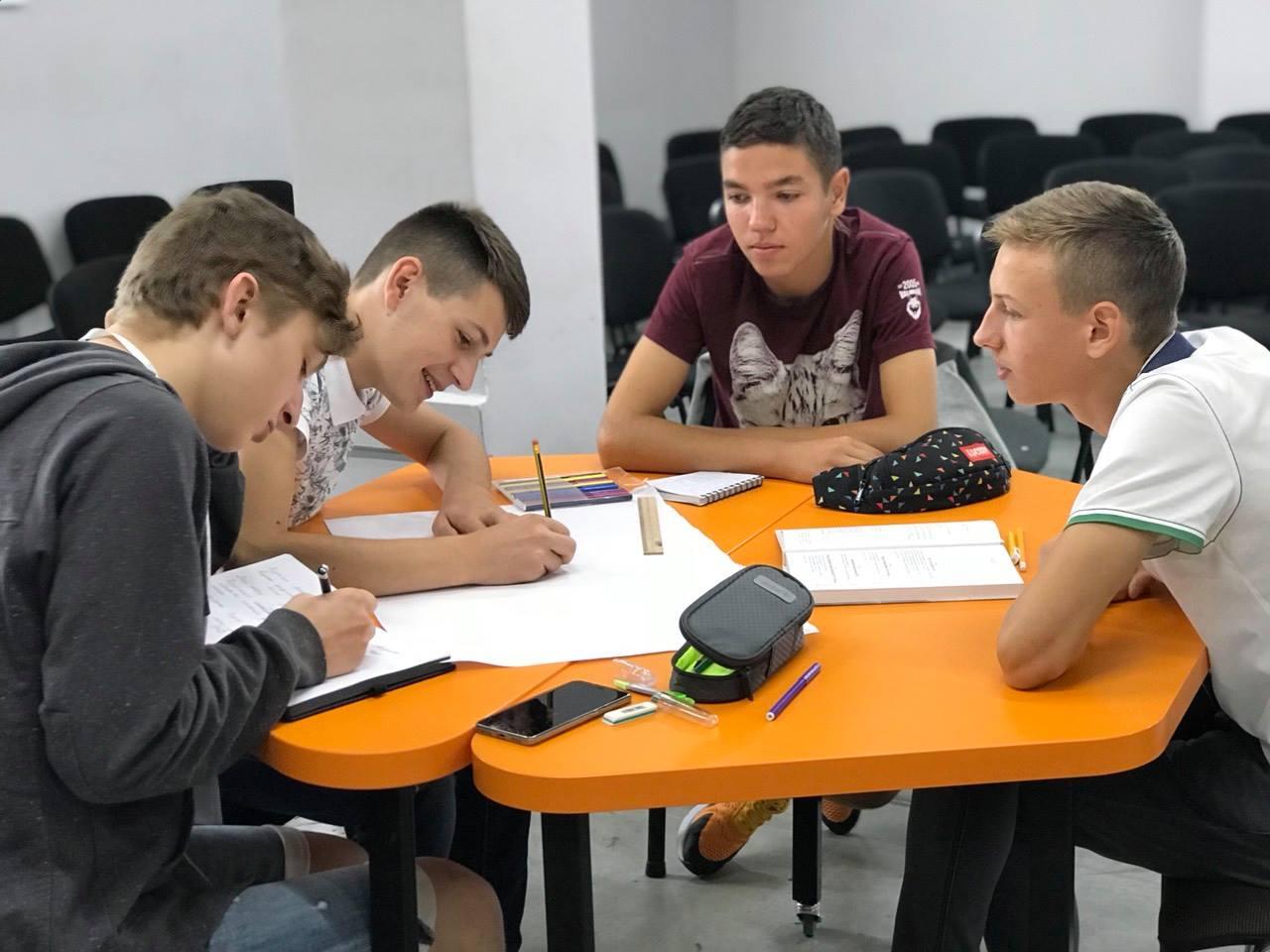 Підготувати учнів до ЗНО без репетиторів реально: досвід Українського аграрного ліцею